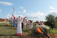 17-18 августа на Замковой горе возле агрогородка Радомля Чаусского района состоится этнопраздник «У госці да радзімічаў»